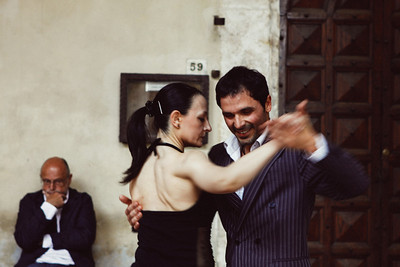 Tango demonstration in Pienza.
